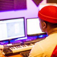 Kamal A La Prod en studio